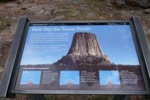 Devil's Tower Wyoming cartello informativo