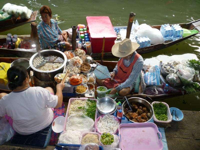 villaggio galleggiante venditori