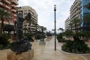 Marbella sculture di Dalì