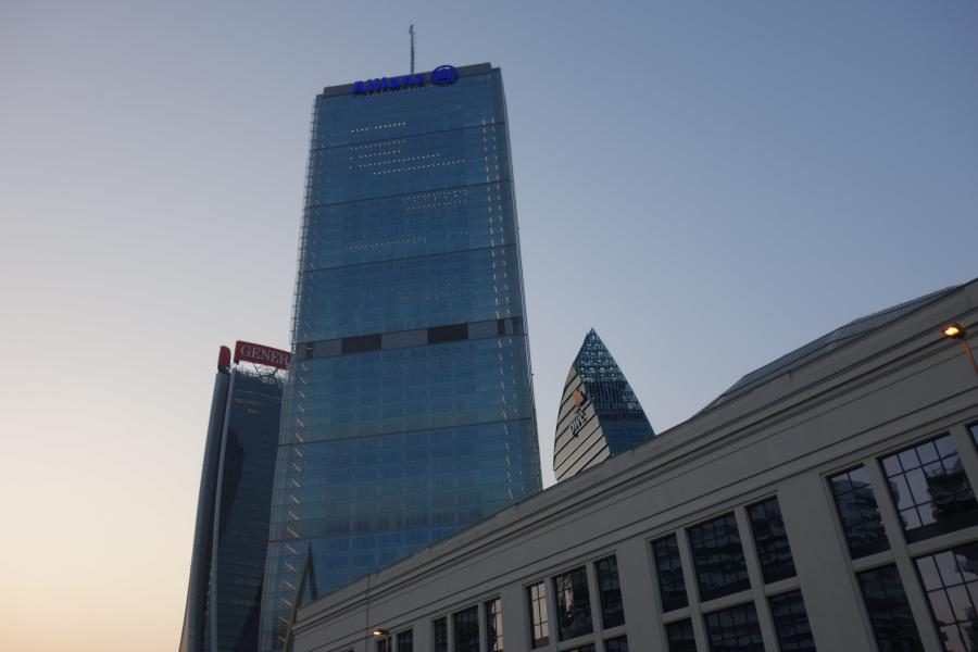 Torre Isozaki City Life District