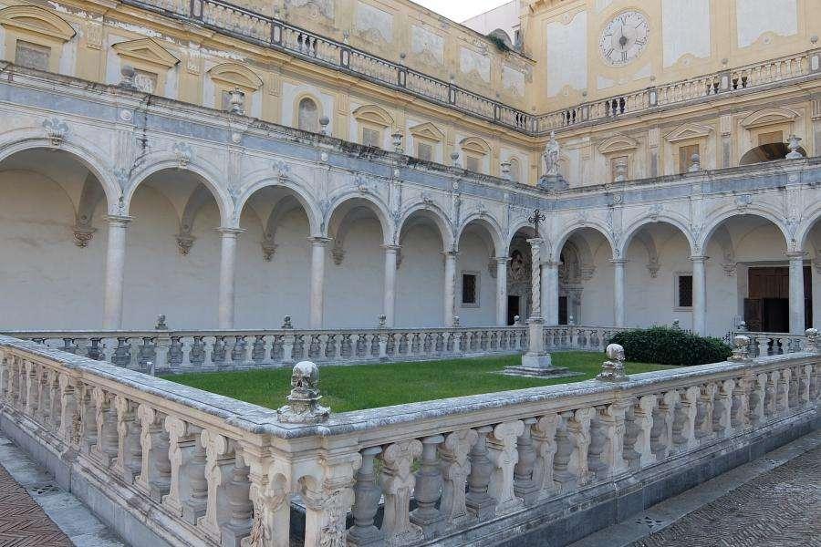 Certosa di San Martino il chiostro