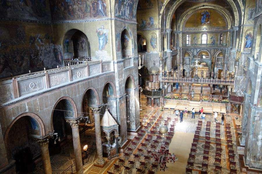 Basilica vista sulla navata Venezia
