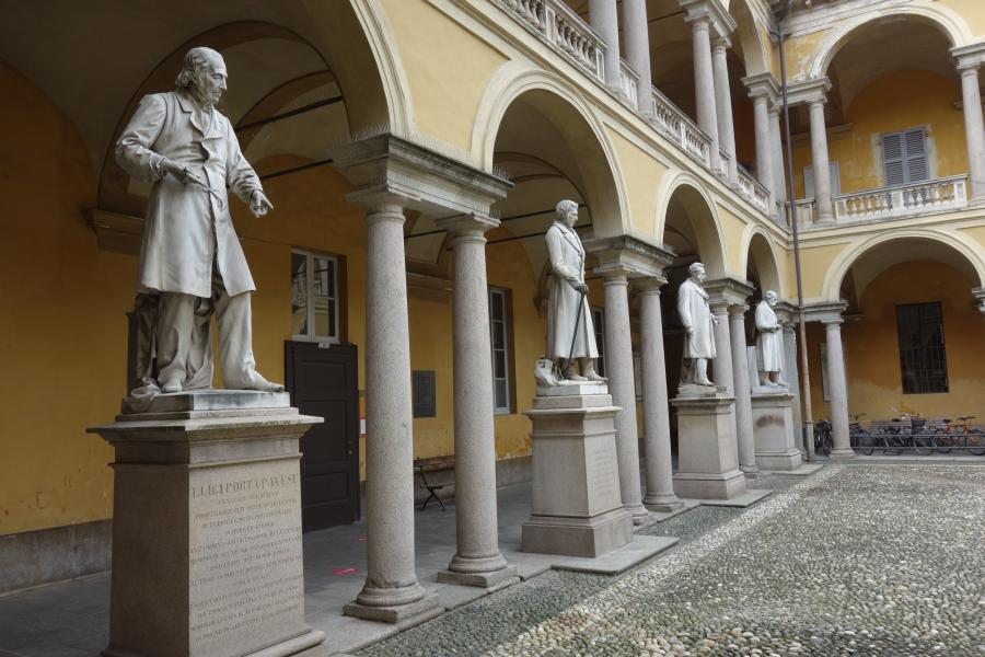 Cortile dell'Università di Pavia